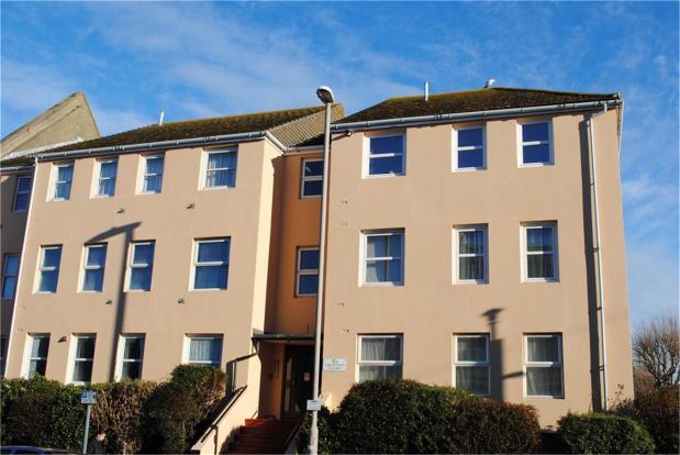 bedroom property to rent in cavendish place grafton court