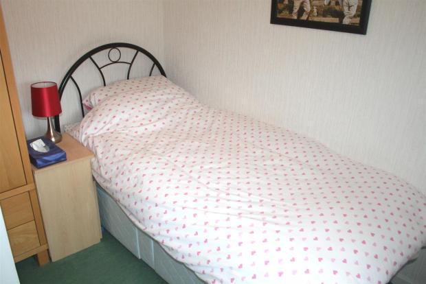 bed3.jpg