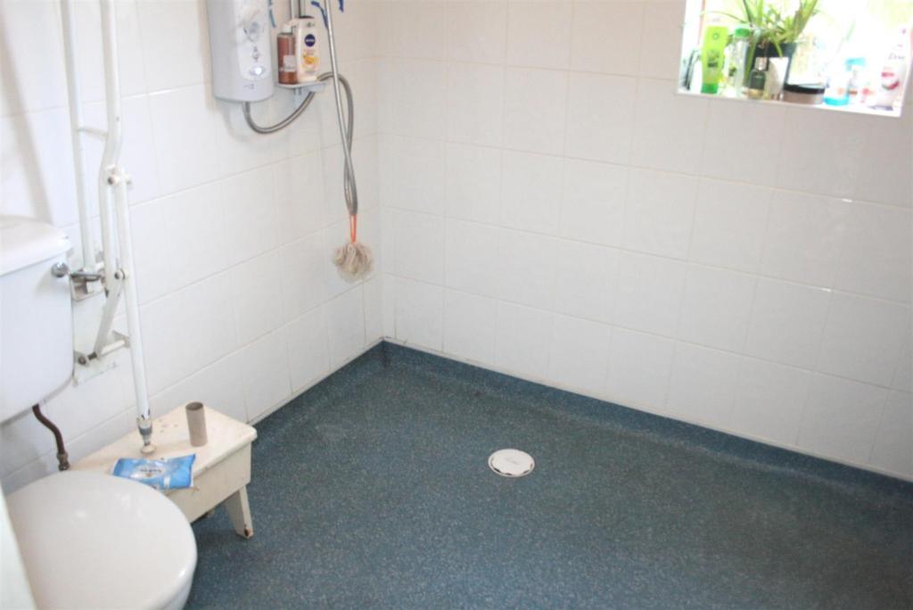 Ground Floor Wet Roo