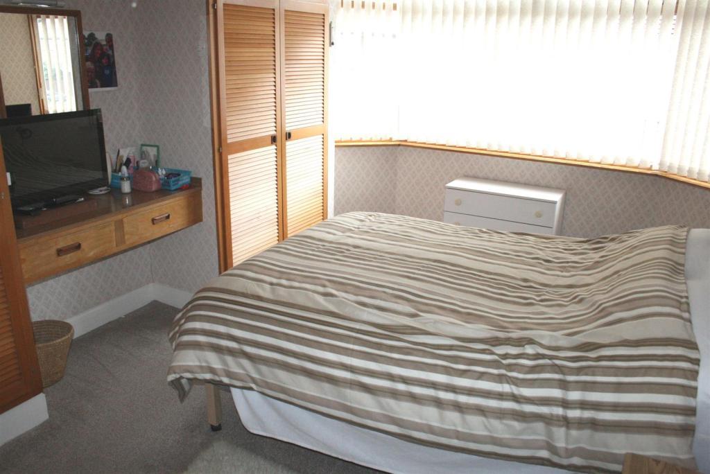 bed12.jpg
