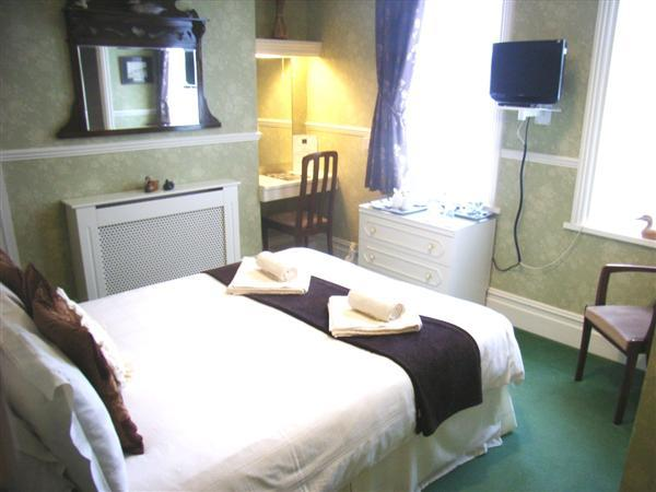 Double Room (side)  'anne'
