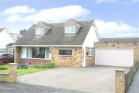 4 bed Detached house for sale in Walton Avenue, Twyford