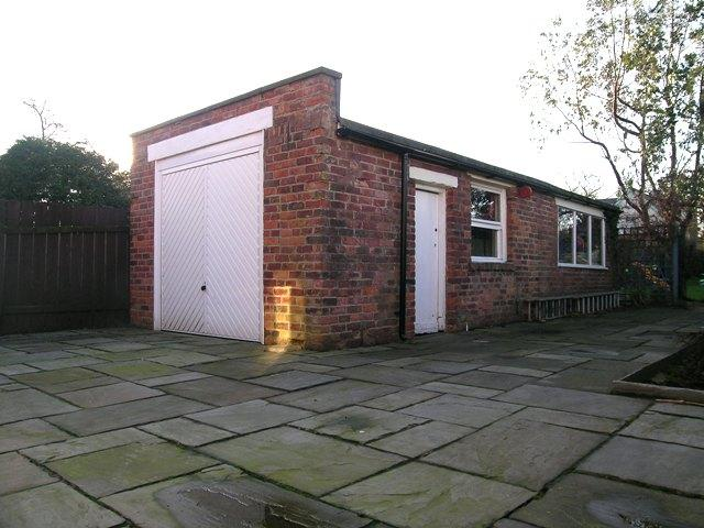 DETACHED GARAGE / WORKSHOP