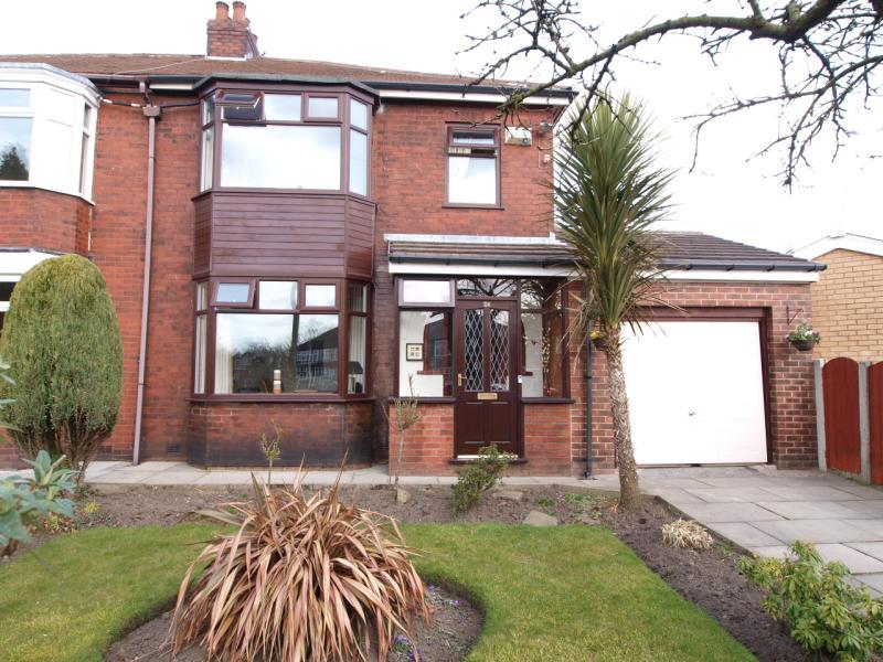 3 bed semi detached property in Lakeside Avenue...