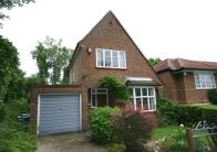 3 bed Detached house in Hill Close, Harrow...