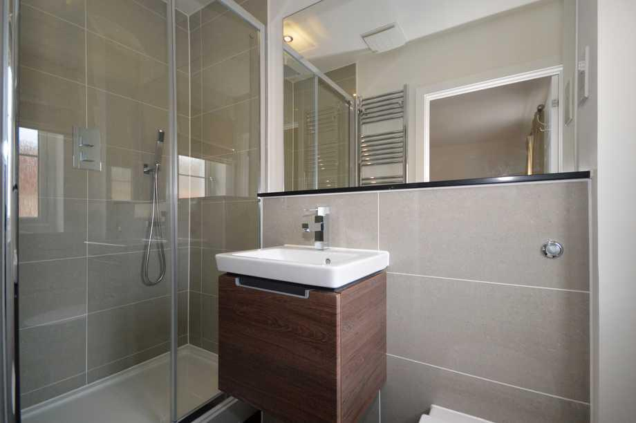 En-suite to Master Bedroom