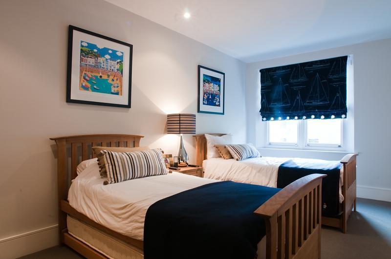 blinds roman blind bedroom design ideas photos