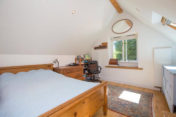 studio/bedroom 4