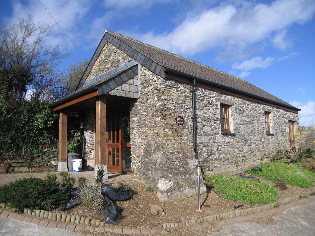 1 Bedroom Cottage To Rent In Polsue Farm St Ewe Pl26 Pl26