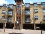 Apartment to rent in Abbey Road, Barking, IG11