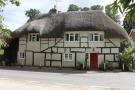 Cottage for sale in Kings Somborne...