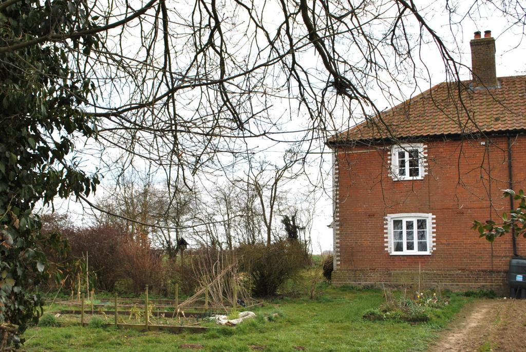 3 Bedroom Detached House To Rent In 2 New Barn Farm