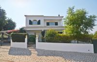 Villa for sale in Algarve, Paderne
