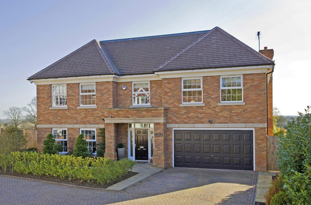 6 Bedroom Detached House For Sale In Hamilton House