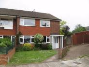 2 bed Maisonette in Lyminge Close, SIDCUP...