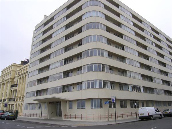 2 Bedroom Flat To Rent In Embassy Court Brighton East Sussex Bn1 Bn1