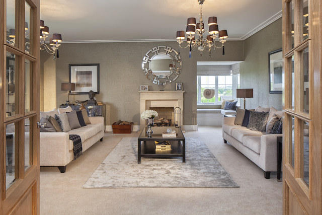 5 Bedroom Detached House For Sale In Mill Green Chase