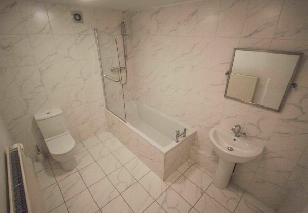 Full Bathroom - Aberdeen Terrace - Blackheath - SE3 - Oliver Field Associates