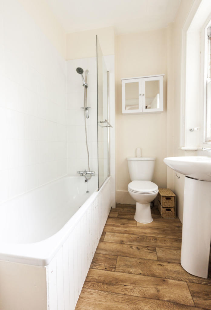 Full Bath - Granville Park - SE13 - Oliver Field Associates