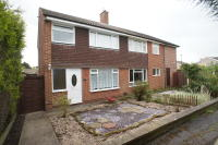 semi detached home to rent in Broomhill Close...