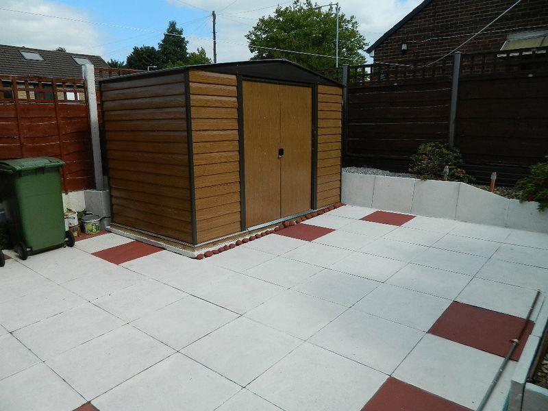 Side patio area
