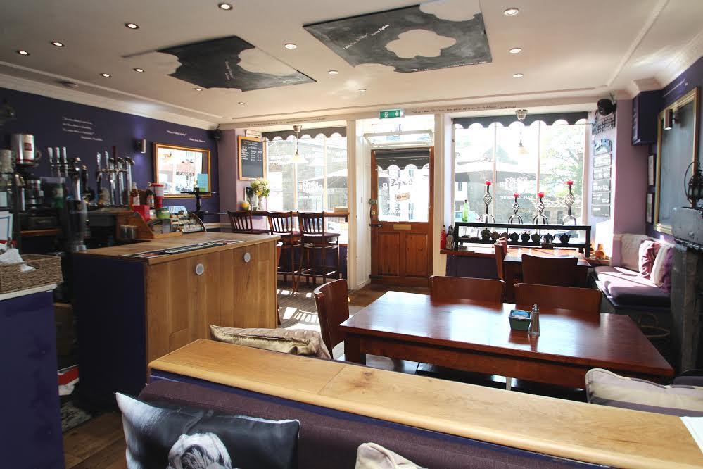 Bar-Bistro-Cafe 2