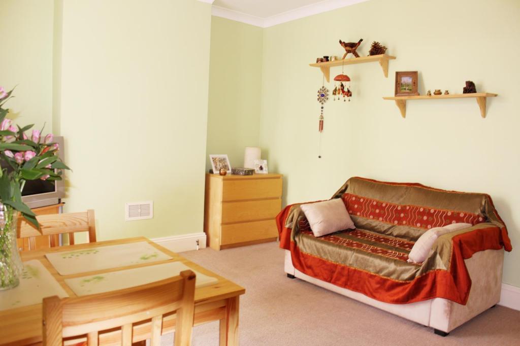 Living room image1