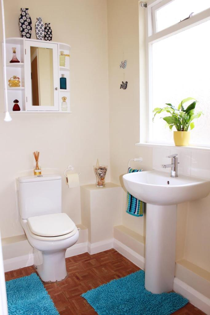 Bathroom image1
