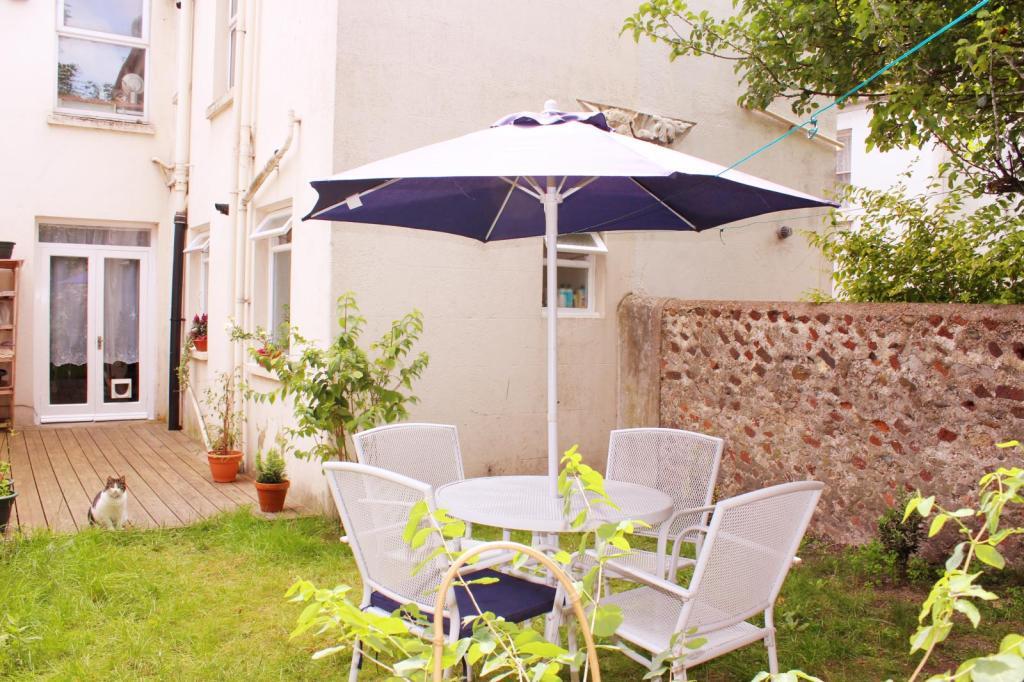 Garden patio image2