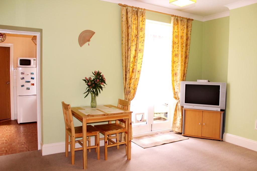 Living room image2