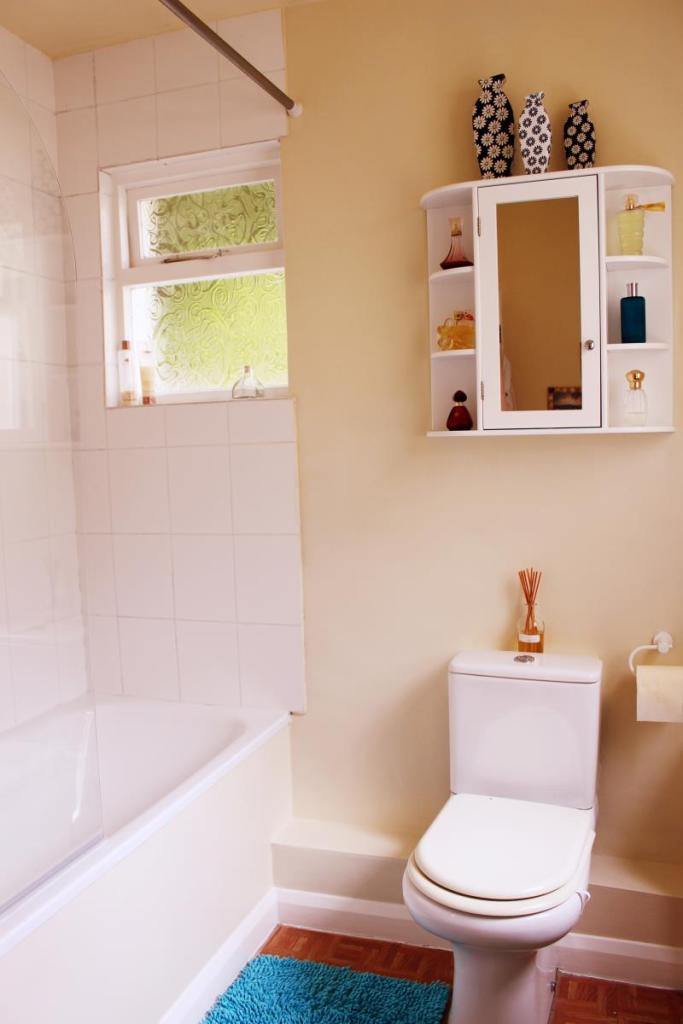 Bathroom image2