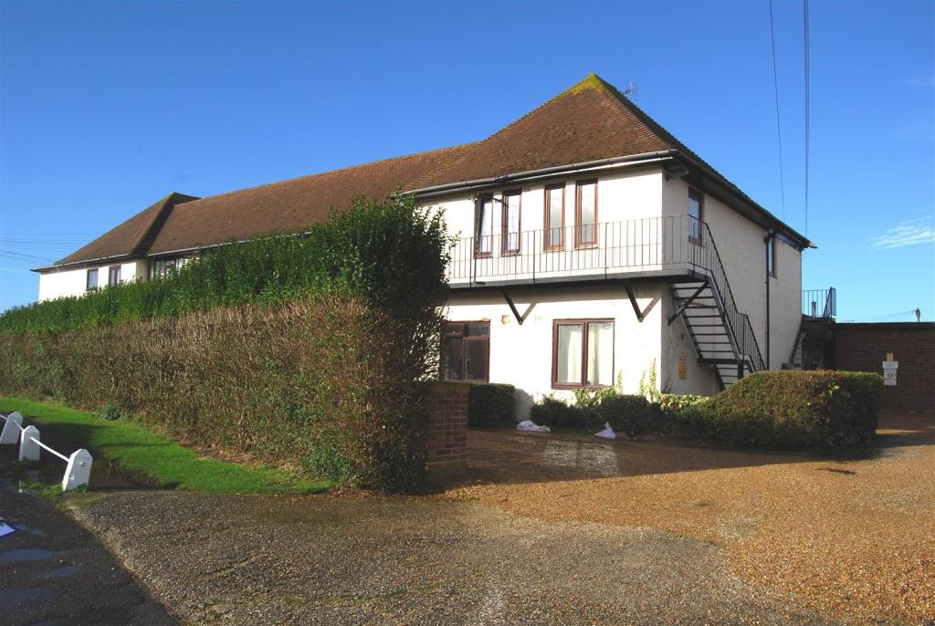 51 Sussex Village (2