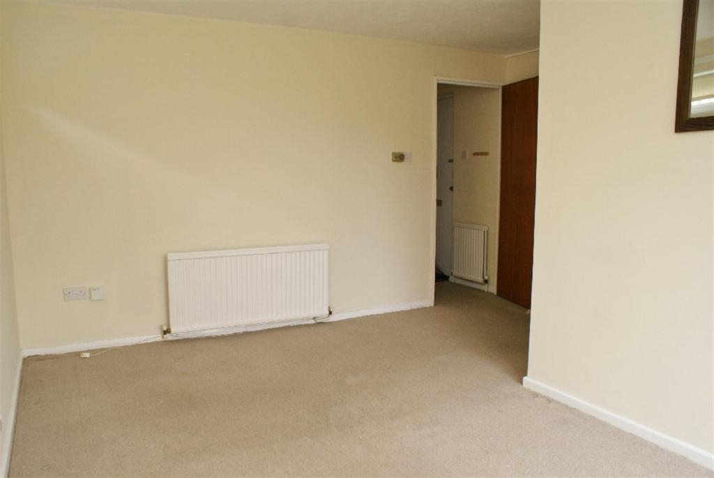 2 bedroom semi-detached house for sale in Elm Grove South, Barnham ...