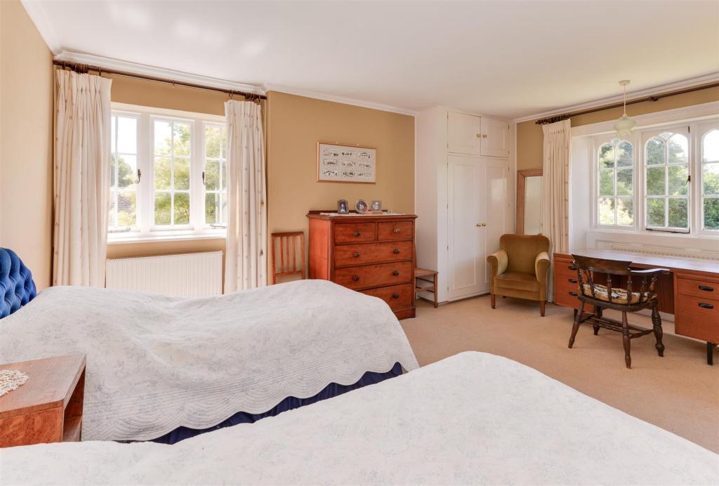 Bedroom - 007.jpg