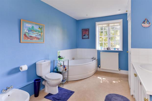 Bathroom - 006.jpg