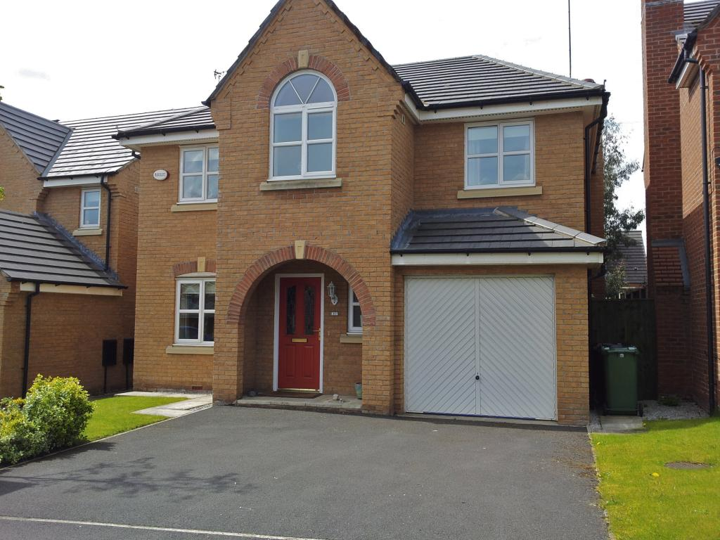 Detached 4 bed house