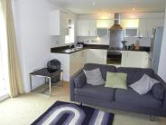 Flat to rent in Waterside Gardens...