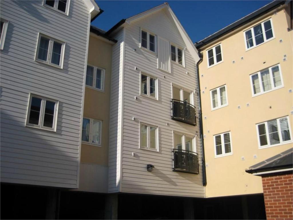 2 Bedroom Apartment To Rent In Fairfield Road Braintree Essex Cm7