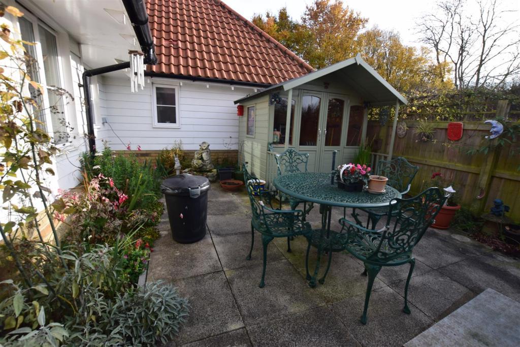 Courtyard Style Gard