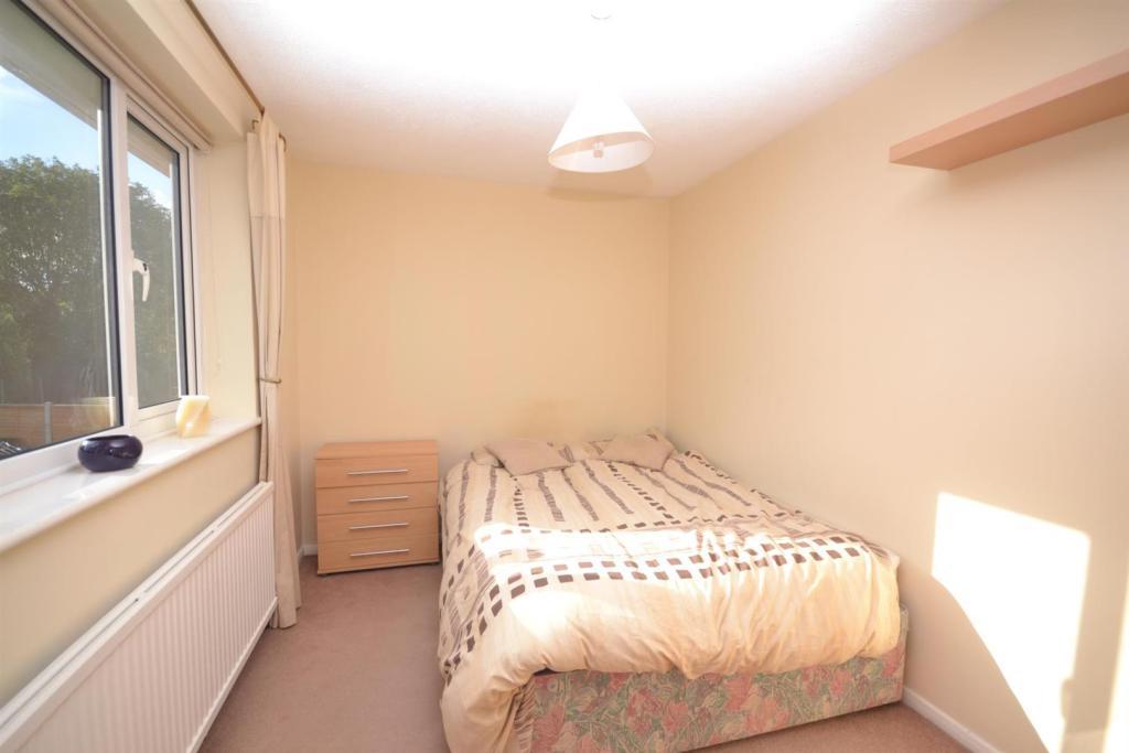 third bedroom.JPG