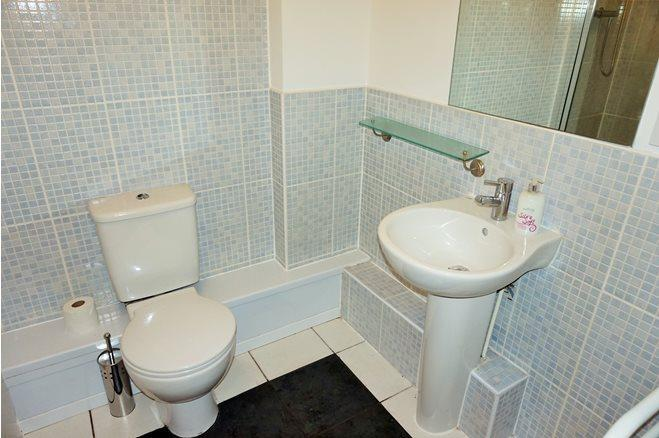 Westgate St-1bed-CF10 1AR-8