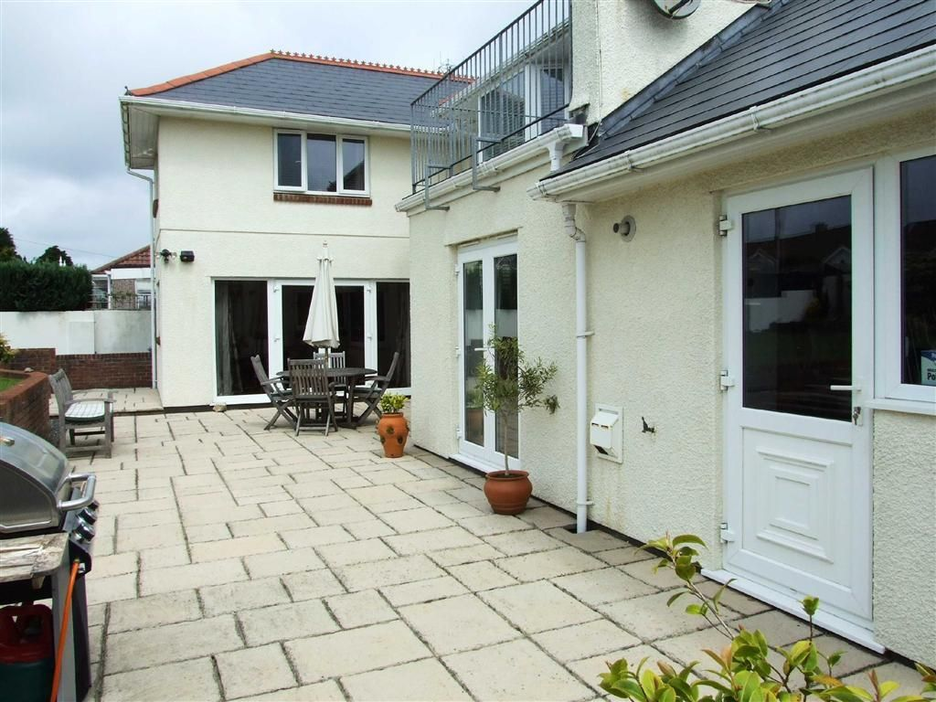 4 Bedroom Detached House For Sale In Fort Austin Avenue Plymouth Pl6 Pl6