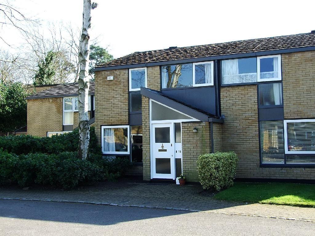 3 Bedroom House For Sale In Holme Chase Weybridge Surrey Kt13