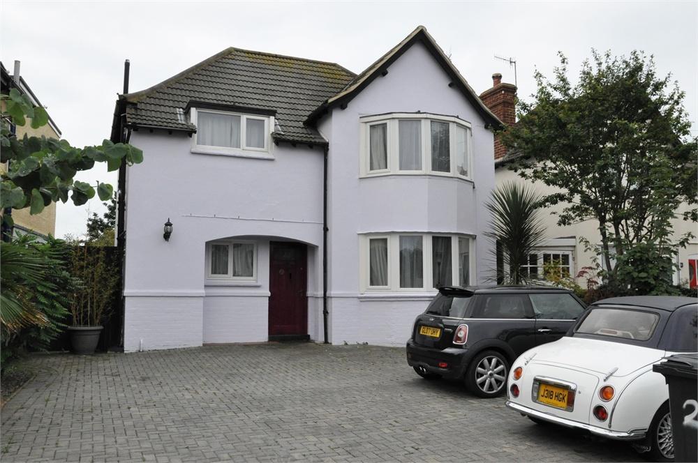 3 Bedroom Detached House For Sale In Magdalen Road