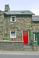 Terraced home in 5 Club Street Beddgelert...