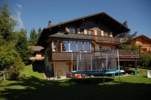 6 bed Chalet for sale in Vaud, Villars