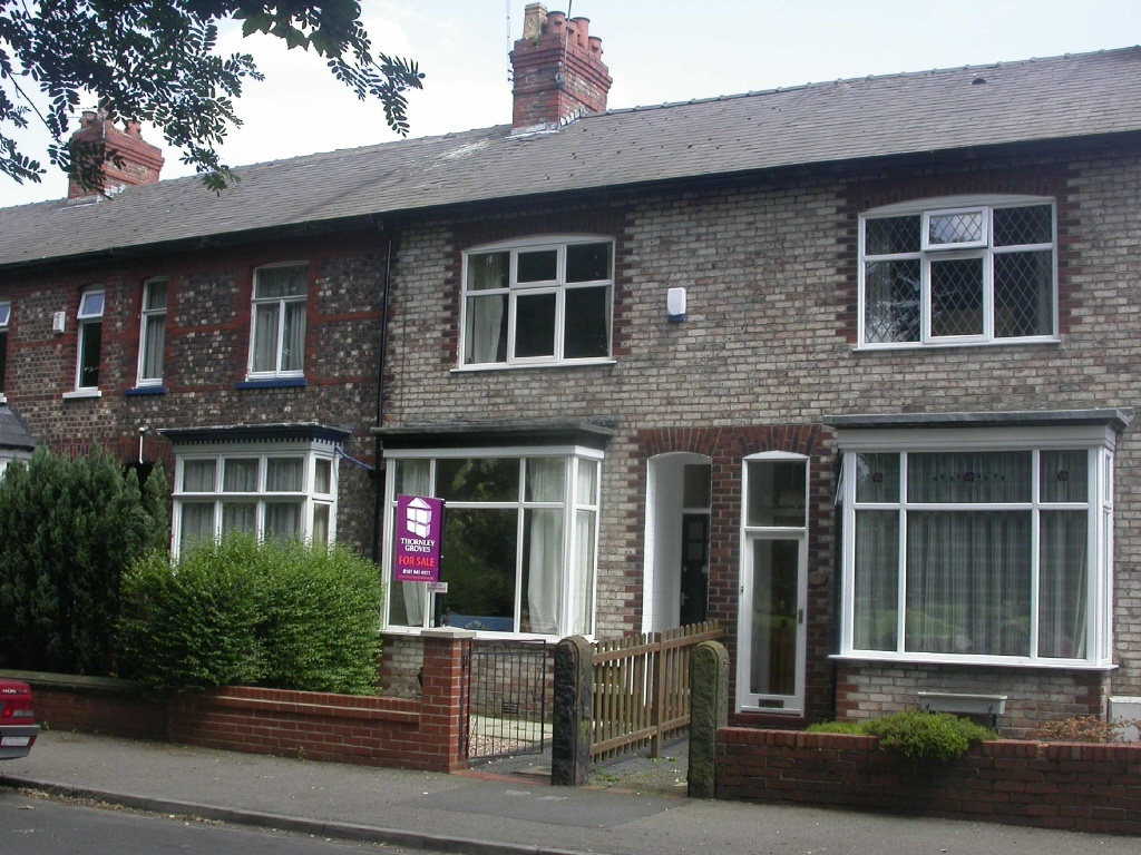 3 Bedroom Terraced House For Sale In Queens Road Hale Cheshire Wa15