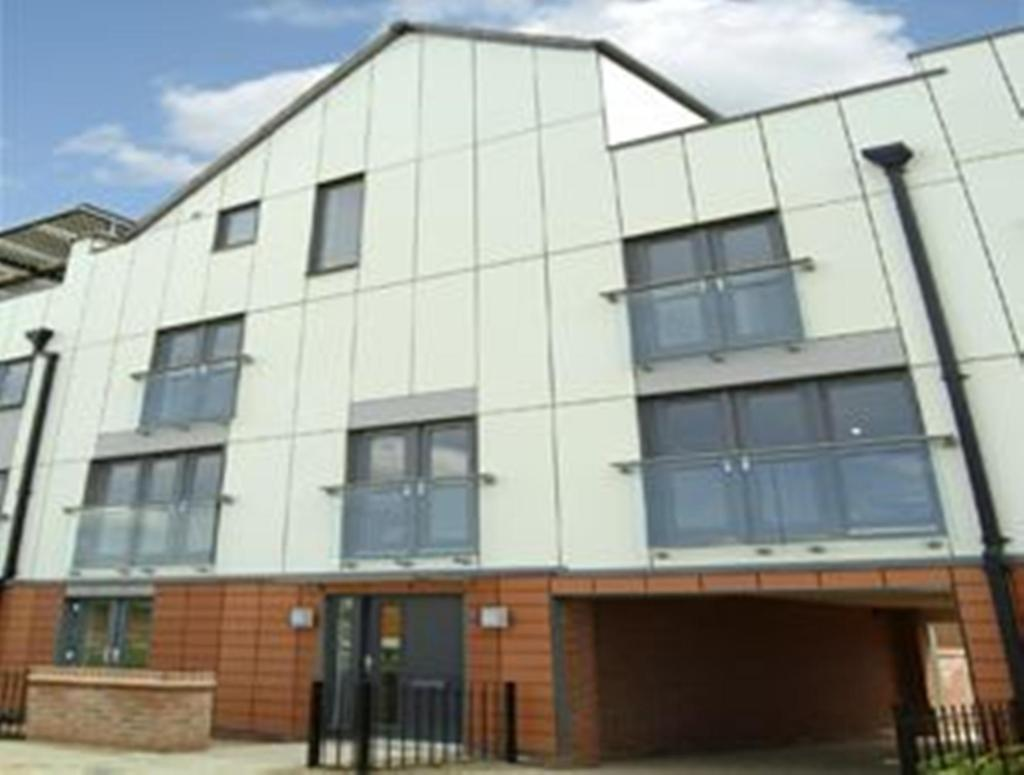 5 bedroom terraced house for sale in upton northampton nn5 for Upton builders