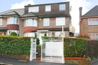 7 bedroom Detached home in Bridge Lane, London NW11