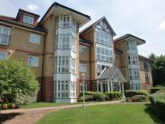 3 bed Flat in Riverside Gardens...